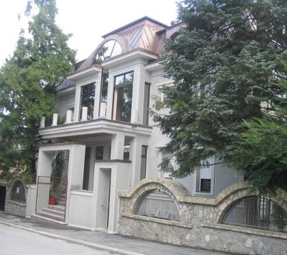 Izgled fasade iz ul. Namesnika Protica – glavni ulaz