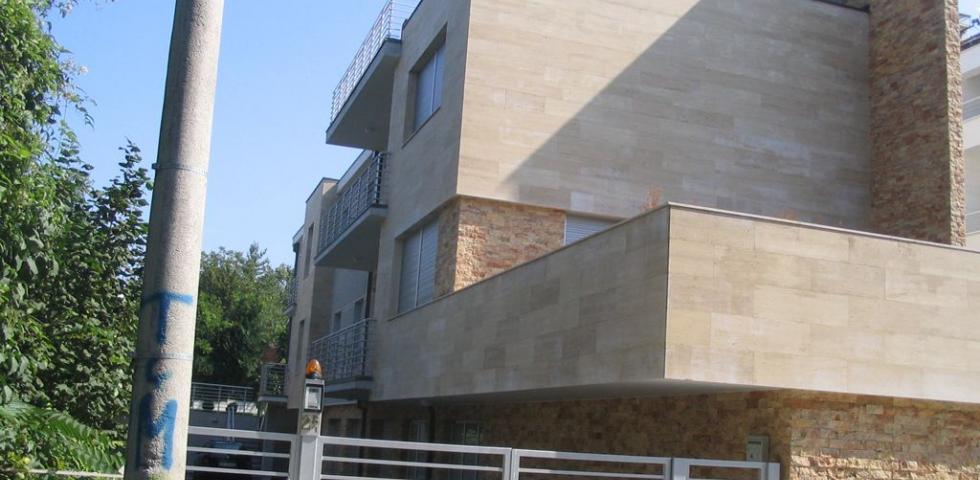 Izgled bočne I čeone fasade