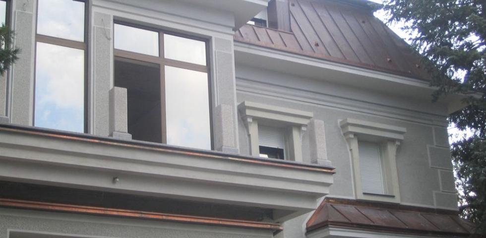 Izgled plastike oko prozora, šembrana, profilisnaih nadprozornika I livenih konzola koje prihvataju nadprozorne grede